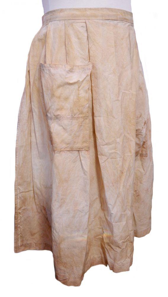 Mme Thenardier's apron