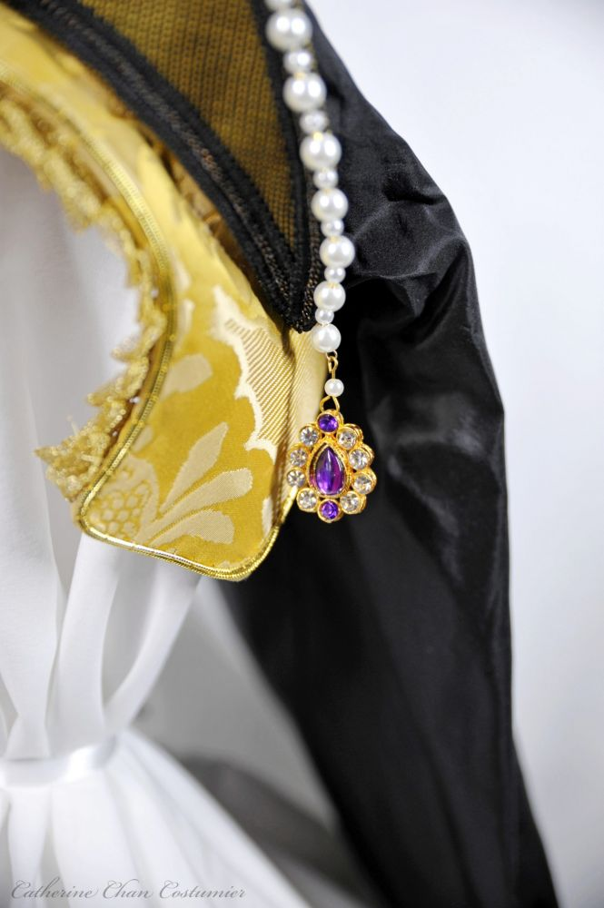 NCC - Tudor Lady - French Hood
